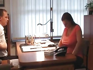Mature bbw fucking in the office