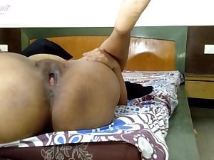 Bhabhi Ki Badi Bahan Ko Motel Me Choda Vo Rone Lagi