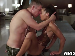 Mick Blue shagging a stunning girl Alexis Tae after pook